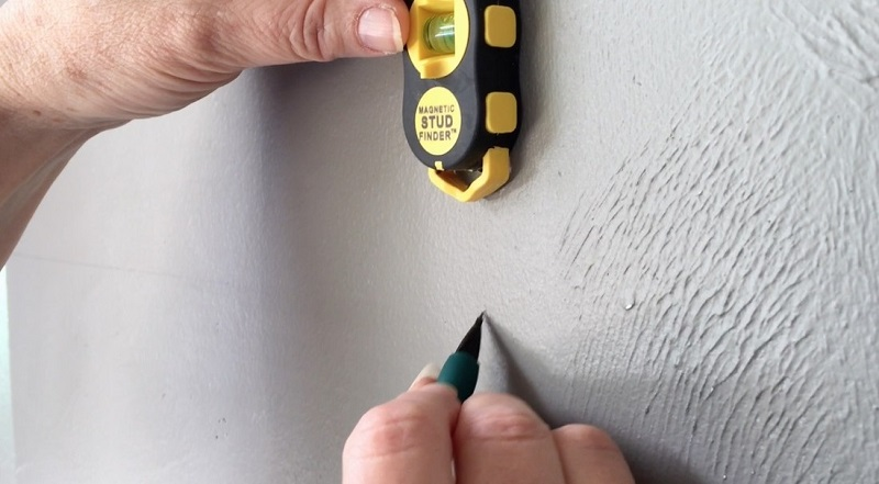 A Guide To Choosing The Best Stud Finder